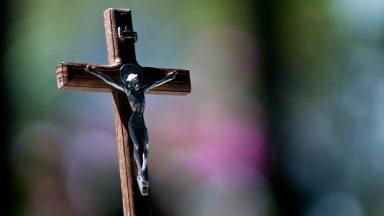Não se paga para se tornar cristão, é dom de Deus, diz Papa