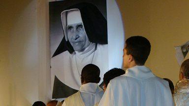 Religiosos comentam expectativa pela canonização de Irmã Dulce