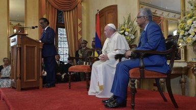 Às autoridades, Papa pede comprometimento com o bem comum
