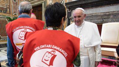 """Papa Francisco à Comunidade Emmanuel: """"Deus mostra o caminho"""