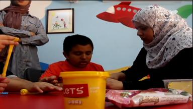 Na Jordânia, centro de convivência oferece cursos e assistência gratuitas