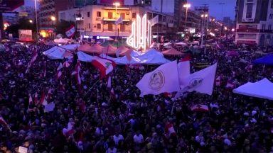 Pela sétima noite, manifestantes tomam as ruas do Líbano