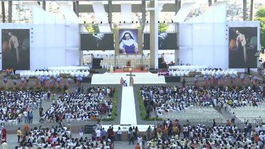 Com Missa em Salvador, fiéis celebram a canonização de santa Dulce