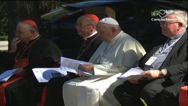 Nos Jardins Vaticanos, Papa se encontra com indígenas