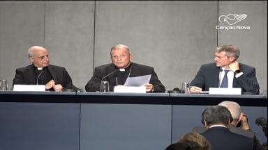 No 13º dia de reunião episcopal, indígenas são recebidos pelo Papa