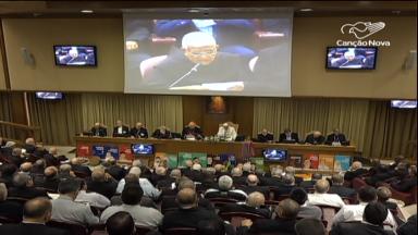 Na reta final, padres sinodais preparam conclusão de documentos