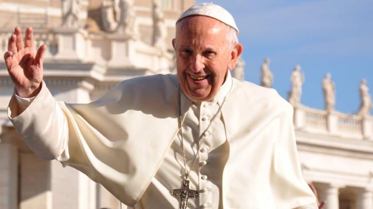 Resultado de imagem para Papa: a música também é um canal de fraternidade e paz