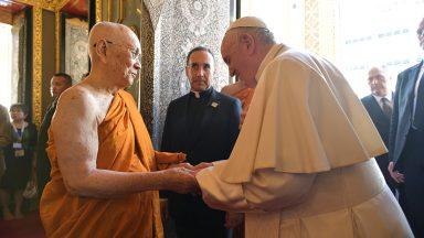 Papa ao Patriarca Supremo dos budistas: religiões são faróis de esperança