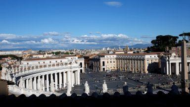 Conselho de Cardeais realiza última reunião do ano no Vaticano