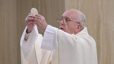 O essencial da vida é a nossa relação com Deus, afirma Papa