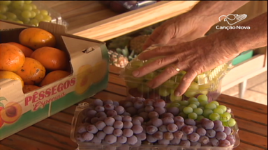 Colônia italiana organiza a Festa da Uva, no interior de SP
