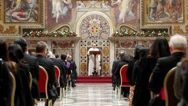 Papa aos EUA e Irã: manter diálogo e autocontrole no respeito