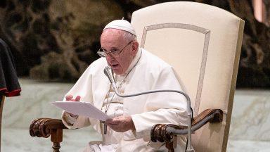 União com Cristo salva do gelo da indiferença, afirma Papa