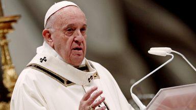 Quando não adoramos a Deus, adoramos a nós mesmos, adverte Papa