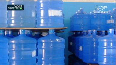 Mau cheiro na água deixa população carioca preocupada