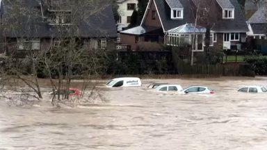 Fortes chuvas deixam o País de Gales embaixo d'água