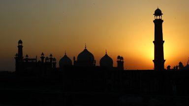 Paquistão: católicos têm ajuda de muçulmanos na construção de capela