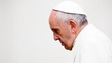 TV Canção Nova transmite oração do terço com o Papa neste sábado
