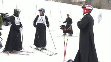Esporte e fé: padres poloneses se inspiram em João Paulo II