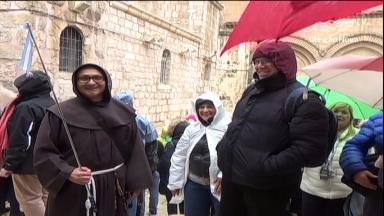 Peregrinos expressam alegria em visitar os lugares sagrados na Terra Santa