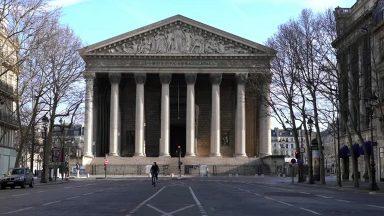 Coronavírus: Paris amanhece deserta após determinações do governo