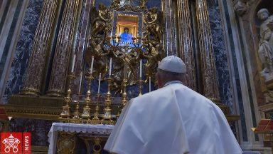 Papa reza na Basílica de Santa Maria Maior pelo fim da pandemia