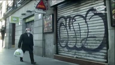 Campanhas tentam amenizar confinamento de povo italiano