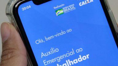 Caixa paga hoje auxílio emergencial para nascidos em abril