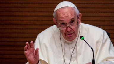 Papa: abandonar definitivamente a mentalidade