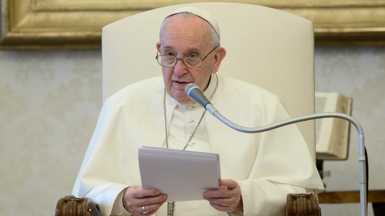 Papa na catequese: rezar é o mistério mais íntimo de nós mesmos