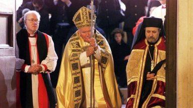 """Encíclica """"Ut unum sint"""", de JPII, marca renovado compromisso ecumênico"""