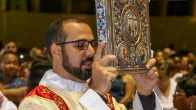 Diaconia é o meio para uma Igreja viva, diz diácono sobre oração do Papa