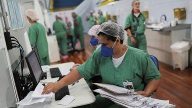 Papa a médicos e enfermeiros: heróis anônimos da pandemia