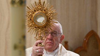 No Dia Mundial das Famílias, Papa reza: que cresça o espírito de amor