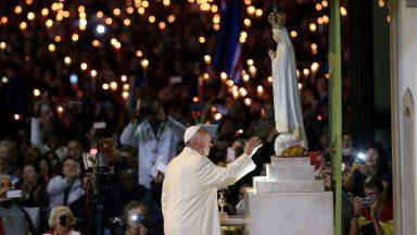 No dia da Virgem de Fátima, Papa afirma que devoção alivia sofrimento