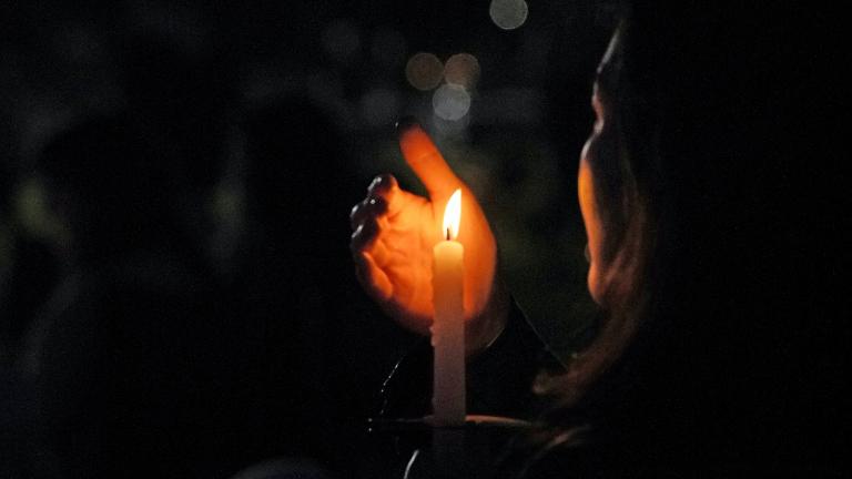 "vela vigilia oracao BBC Creative on Unsplash Iniciativa ""Um minuto pela paz"" reza pela paz na Terra Santa e Mianmar"