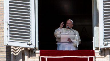 Cuidar um do outro, pede o Papa no primeiro Angelus de agosto
