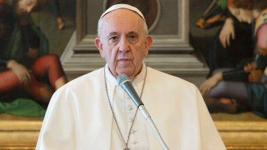 Um coração que enxergue as feridas da sociedade, pede Papa