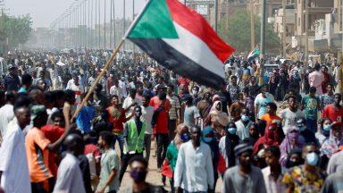 Sudão enfrenta agravamento da situação política em meio à pandemia