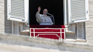 Papa pede solução pacífica e duradoura para conflito no Cáucaso