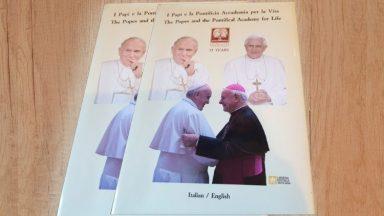 Livro destaca unidade no magistério dos Papas na defesa da vida