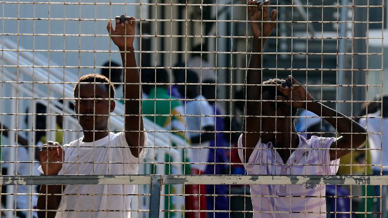 migrantes-lampedusa-viagemdopapa_REUTERS_Alessandro-Bianchi-.jpg