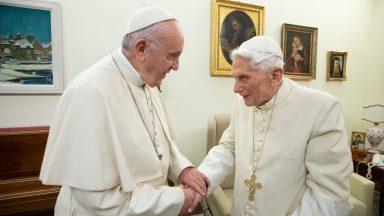 Papa Francisco envia carta a Bento XVI pela morte de Georg Ratzinger