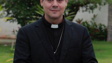 Por zelo pastoral, padre Robson permanece afastado, diz Congregação