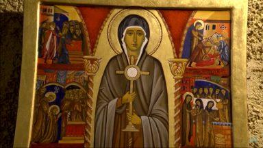 Em Jerusalém, fiéis celebram a história de Santa Clara de Assis