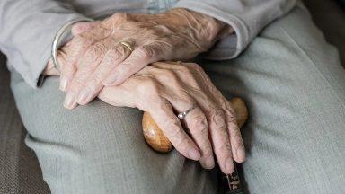 Santa Sé: tutelar os direitos dos idosos em tempos de pandemia