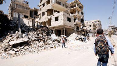 Papa Francisco lamenta década de guerra civil destrutiva na Síria