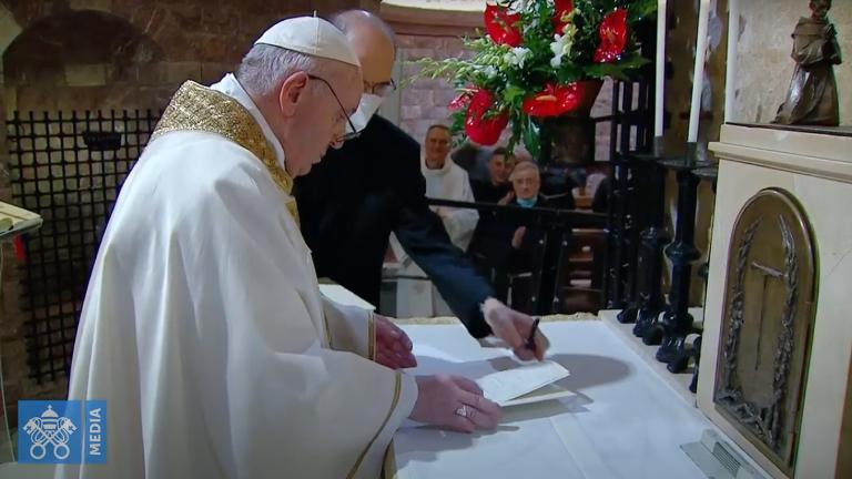 fratelli tutti é assinada pelo Papa Francisco