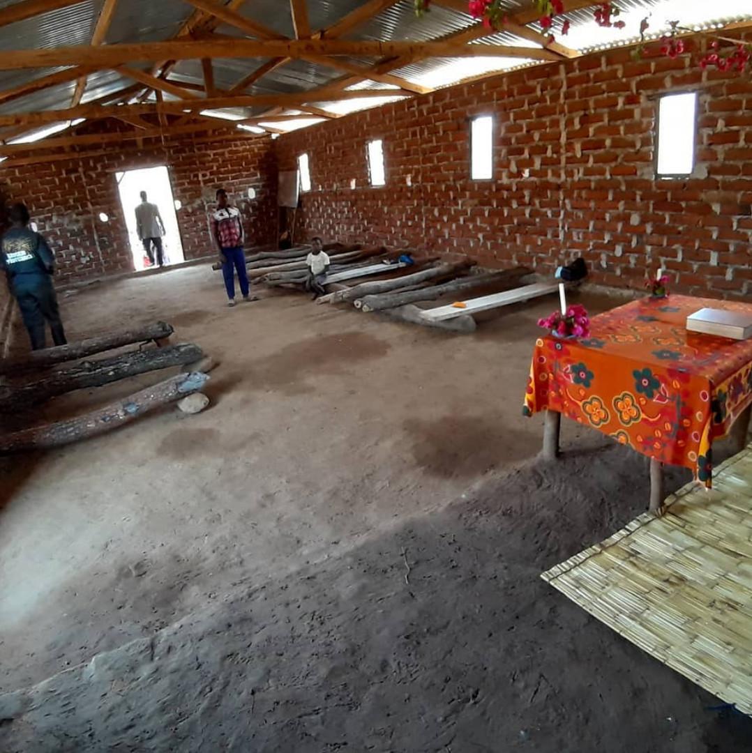 Capela na aldeia de Lizinge / Foto: Arquivo Pessoal