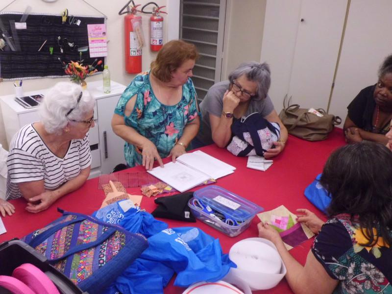 Irmã Helena trabalha na Apam, que oferece cursos para mulheres em situação de vulnerabilidade / Foto: Arquivo Pessoal